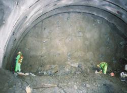 トンネルができるまで いわき水...